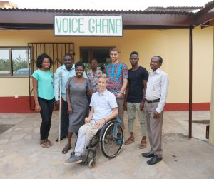 Representatives from Voice Ghana together with weltwärts volunteers